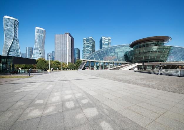 Horizon panoramique et bâtiments
