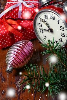 Horloge et décorations de noël