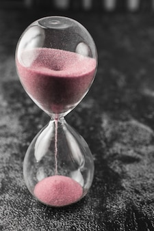 Horloge sablier vintage de style classique