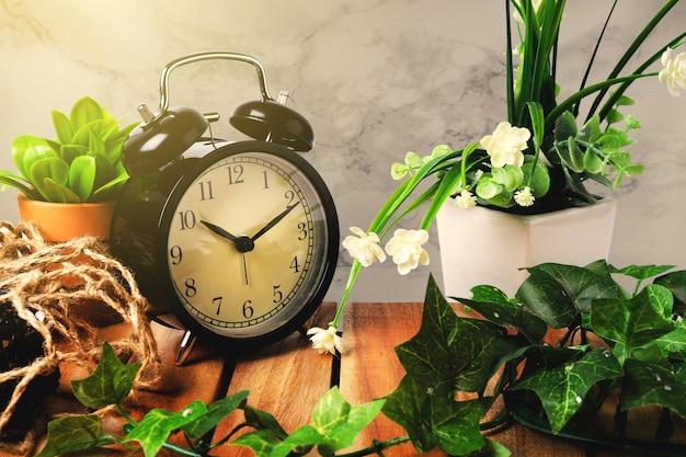 Horloge vintage pour décorer matin ressemble