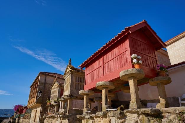 Horreo dans le village de combarro pontevedra galice espagne