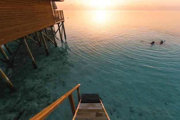 Hôtel côte immeuble de vacances de la mer