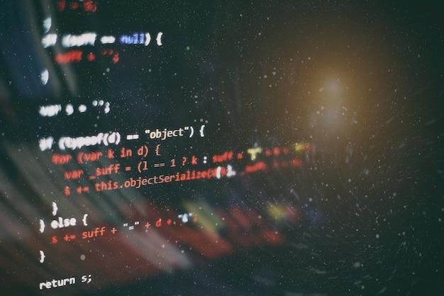 Html5 dans l'éditeur pour le développement de sites web. code html du site web sur la photo agrandie de l'écran de l'ordinateur portable.