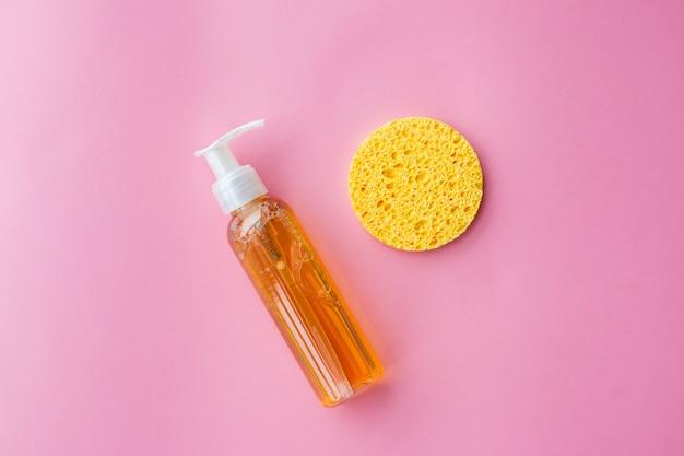 Huile démaquillante pour le visage ou gel nettoyant aux huiles. nettoyage de la peau, démaquillage
