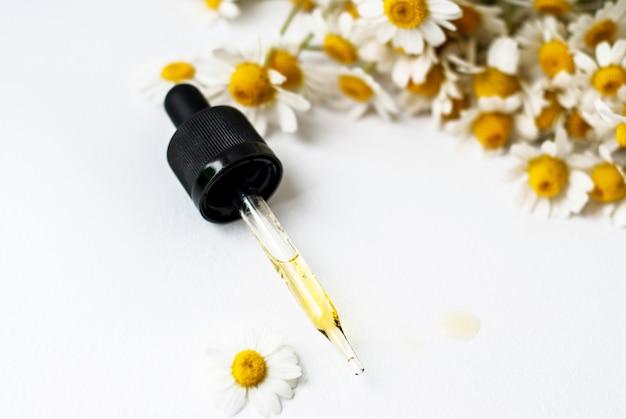 Huile essentielle aromatique à la camomille