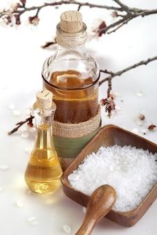 Huile essentielle d'arôme et sel marin