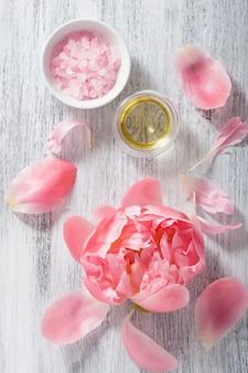 Huile essentielle de pivoine fleur de sel rose pour spa et aromathérapie