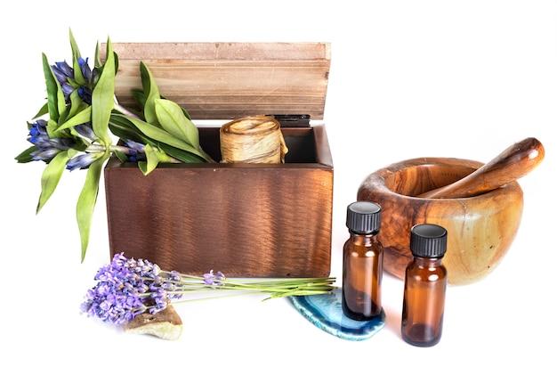 Huile de fleur, mortier et huiles essentielles