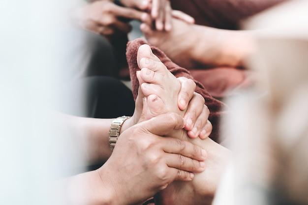 Huile de massage thaï et sagesse spa thaïlandaise