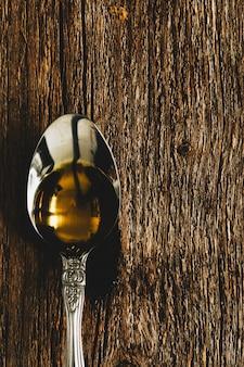 L'huile d'olive en cuillère