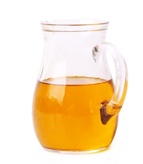 L'huile d'olive dans un bocal en verre