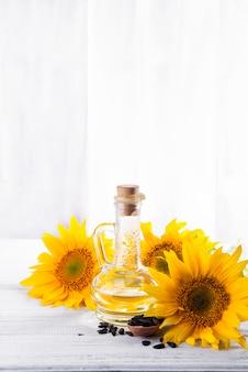 Huile de tournesol, graines et fleur
