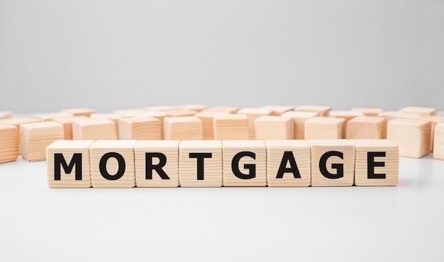 Hypothèque word faite avec des blocs de construction en bois