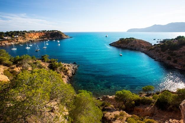 Ibiza es porroig a aussi une vue de port roig à baléares