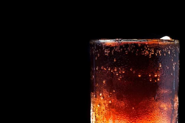 Ice cola sur fond noir
