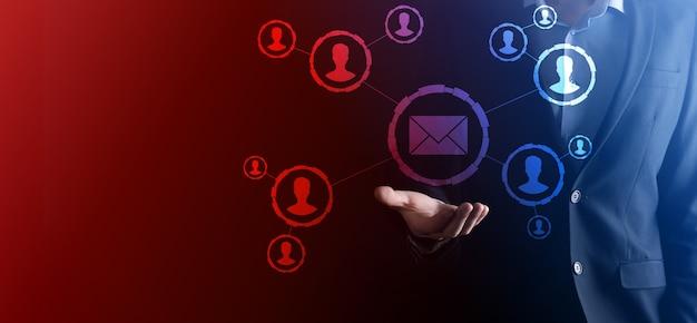 Icône de courrier électronique et utilisateur, signe, marketing de symbole ou concept de newsletter, diagramme.