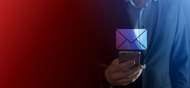 Icône d'e-mail et d'utilisateur, signe, concept de marketing de symbole ou de newsletter, diagramme. envoi d'e-mail. courrier en vrac. concept de marketing par e-mail et sms. schéma de vente directe en entreprise. liste des clients pour l'envoi.