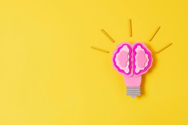 Idée concept avec ampoule