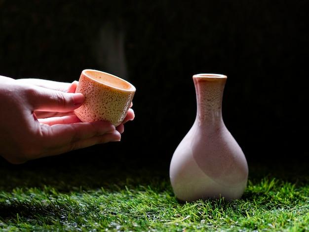 Idée de concept de saké chinois / thé chaud