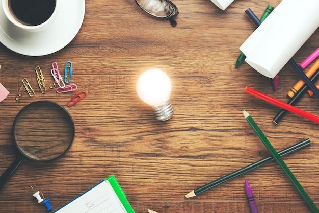 Idée et différents objets de bureau