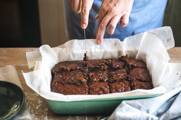Idée de recette de photographie culinaire de brownies faits maison