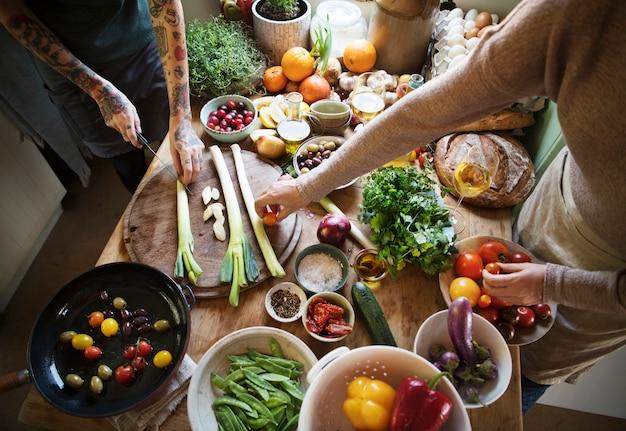 Idée de recette de photographie culinaire de préparation de légumes