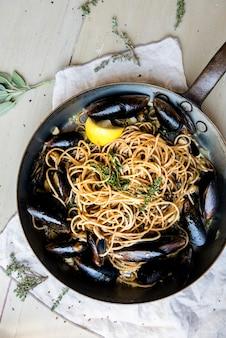 Idée de recette de photographie culinaire de spaghettis maison