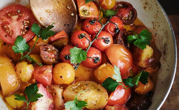 Idée de recette de photographie de nourriture de sauce tomate fraîche