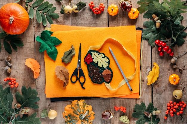 Idées d'artisanat d'automne d'ornements en feutre faits à la main d'automne