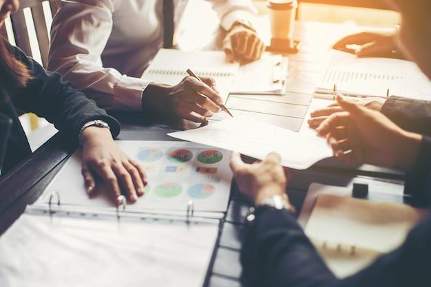 Idées de conception de réunion de gens d'affaires