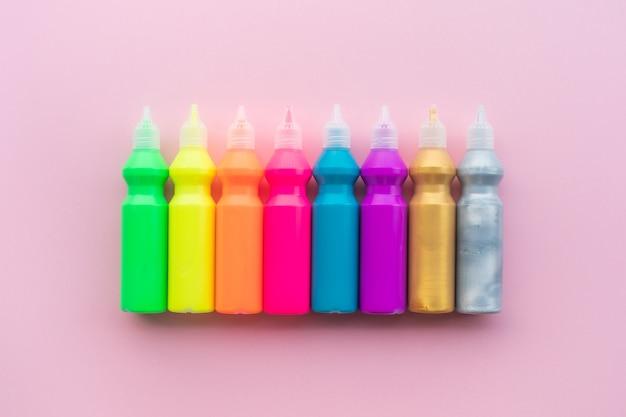 Idées de concepts de couleur avec ensemble de couleur acrylique sur fond