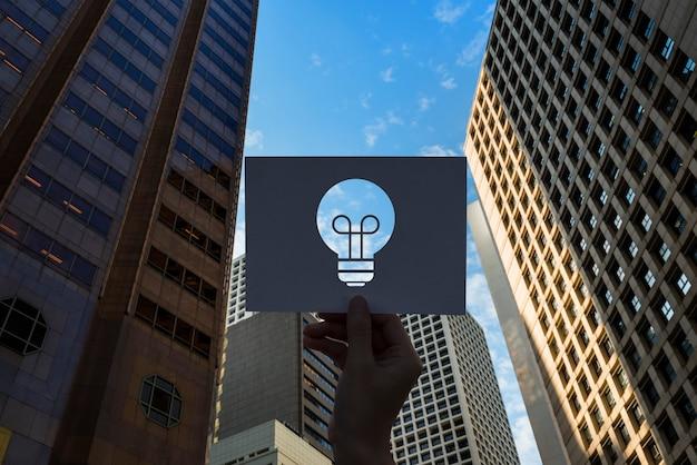 Idées de créativité ampoule en papier perforé