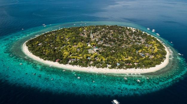 Île balicasag, île isolée aux philippines