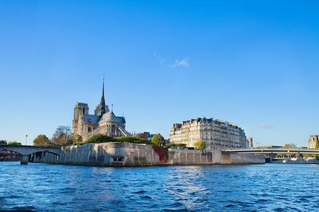 Île de l'isle de la cité et de la seine, paris, france