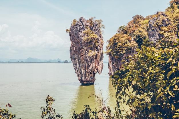Île de ko tapu en thaïlande et paysage environnant