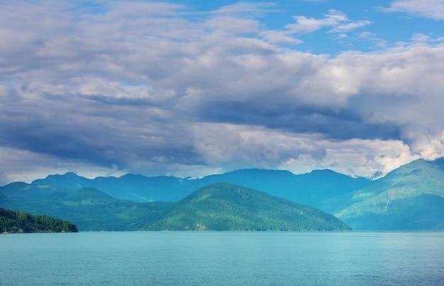 Île de vancouver. canada. belle journée ensoleillée en saison estivale.