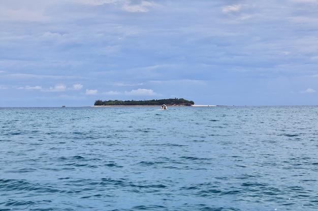 L'île de zanzibar dans l'océan indien en tanzanie