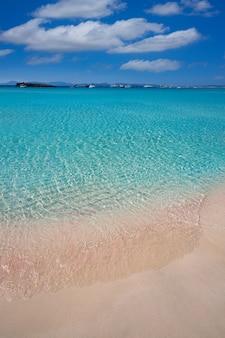 Illetes illetas beach à formentera, iles baléares