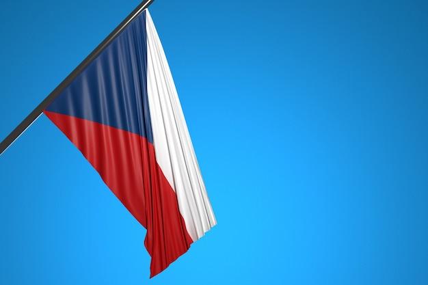 Illustration du drapeau national du chili sur un mât en métal flottant contre le ciel bleu