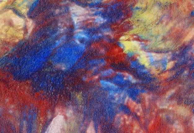 Illustration de peinture acrylique: taches spectaculaires de bleu, jaune et rouge.
