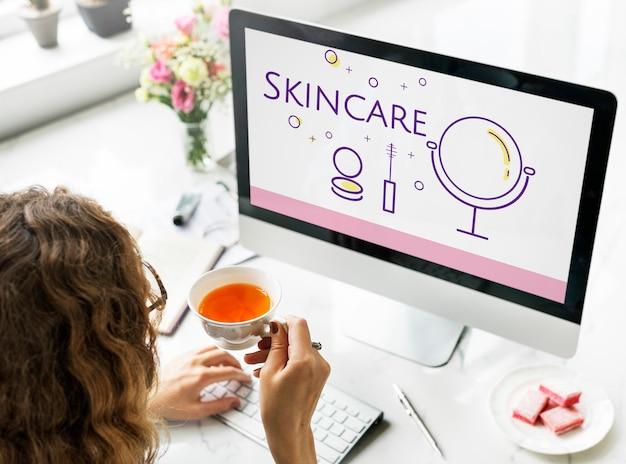 Illustration des soins de la peau de relooking de cosmétiques de beauté sur ordinateur