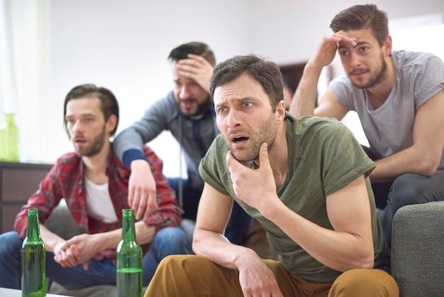 Ils ne sont pas heureux que leur équipe ait perdu