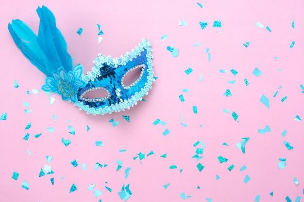 Image aérienne vue de dessus de table de la belle saison de carnaval coloré.