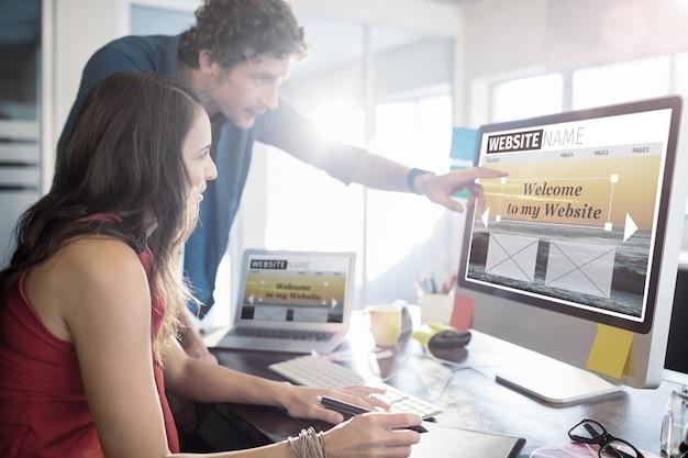 Image composite de l'image composite de l'interface du site web de construction
