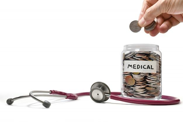 Image sur le concept d'économiser de l'argent à des fins médicales et commerciales, épargne, croissance, économie