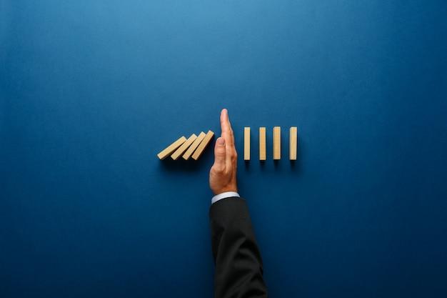 Image conceptuelle de gestion de crise d'entreprise