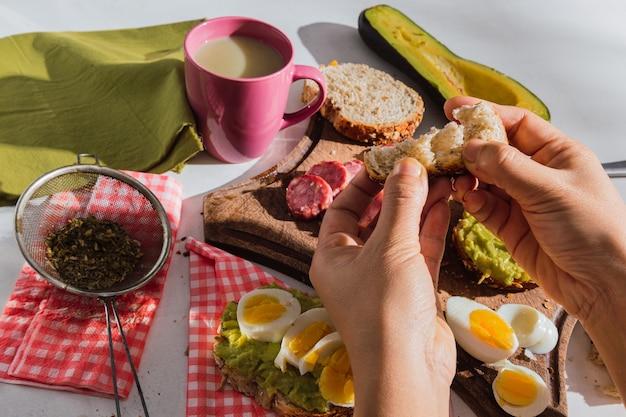Image d'un délicieux petit déjeuner.