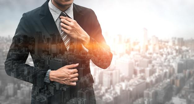 Image à double exposition de l'homme d'affaires