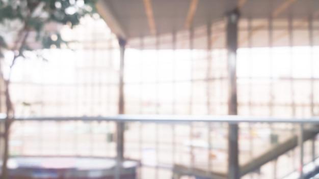 Image floue de la salle dans un centre de conférence moderne. photo avec espace copie