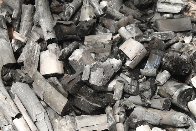 Image horizontale de charbon noir